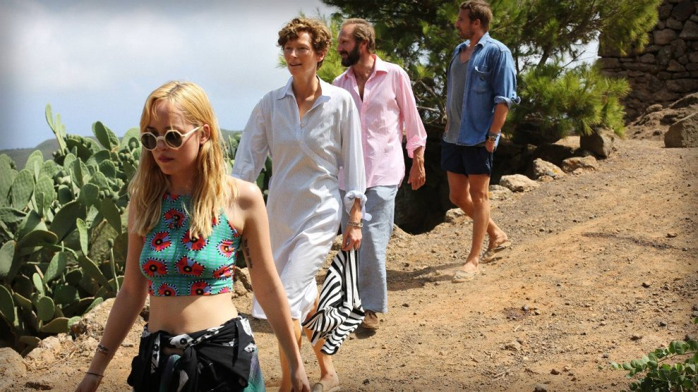 a-bigger-splash_fxbzk2